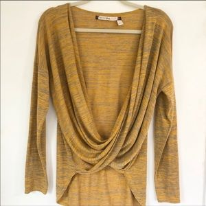Chelsea & Violet Long Sleeve Twist Top Size Large